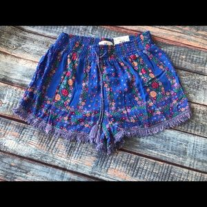 Junior Girls size Large Mudd floral shorts